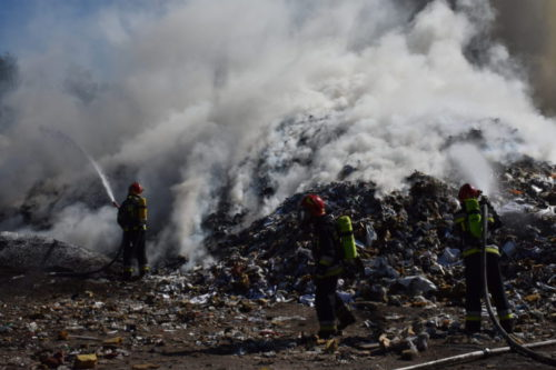Fire of a garbage dump in Zabrze | Photo: KM PSP W Zabrzu