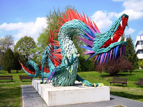 A Chinese dragon statue in Kazincbarcikai; photo: István Jávori (wikipedia, CC)