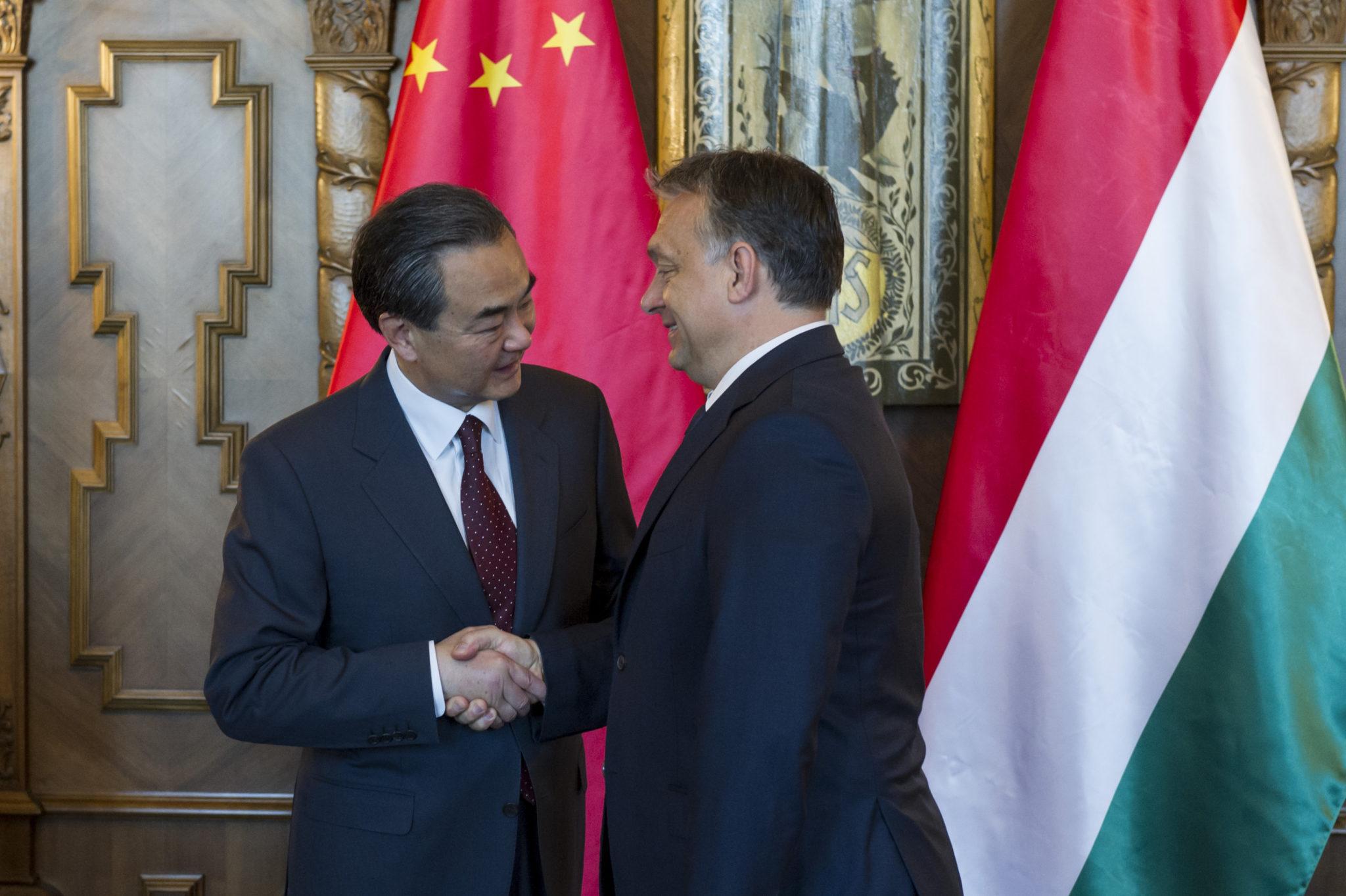 Viktor Orban and Wang Yi, 2015; Photo: Károly Árvai / Prime Minister's Office
