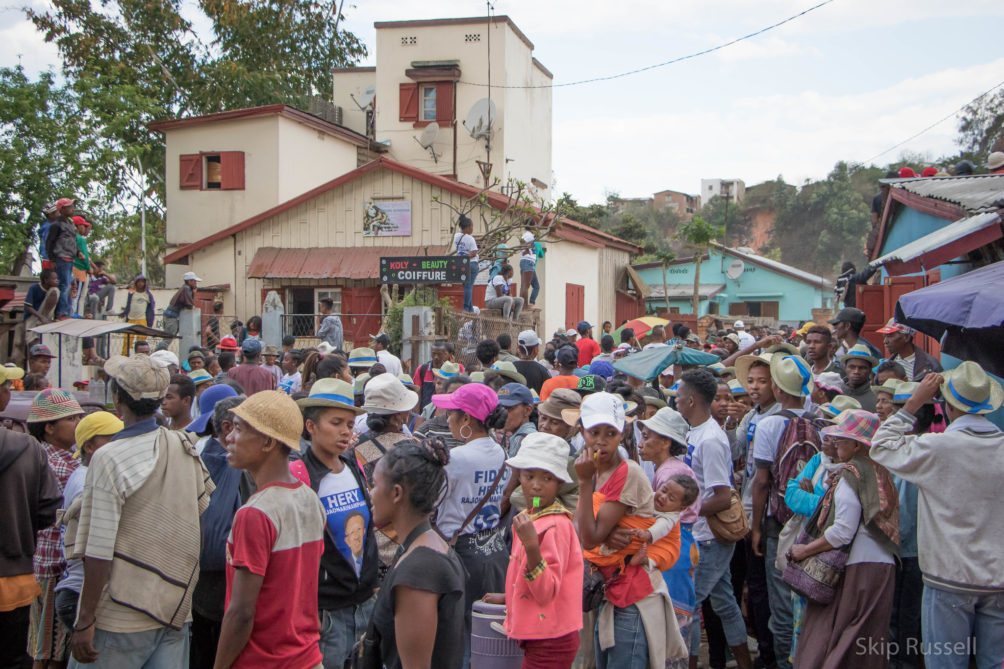 Political rally during the presidential campaign in Madagascar. Photo: Skip Russell (CC BY-NC-ND 2.0)